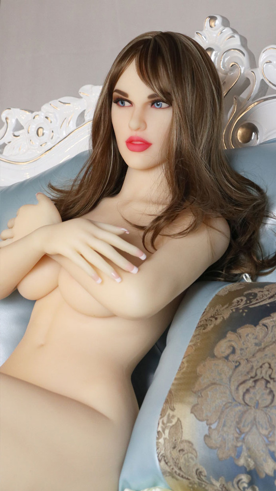 photo de la poupée sexuelle bots dolls sex doll laura 65cm