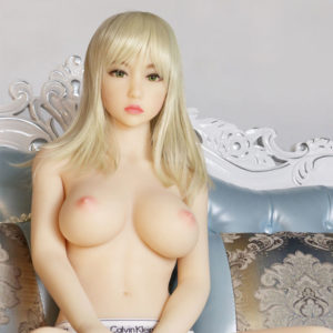 photo de la poupée sexuelle bots dolls sex doll britanny 155cm