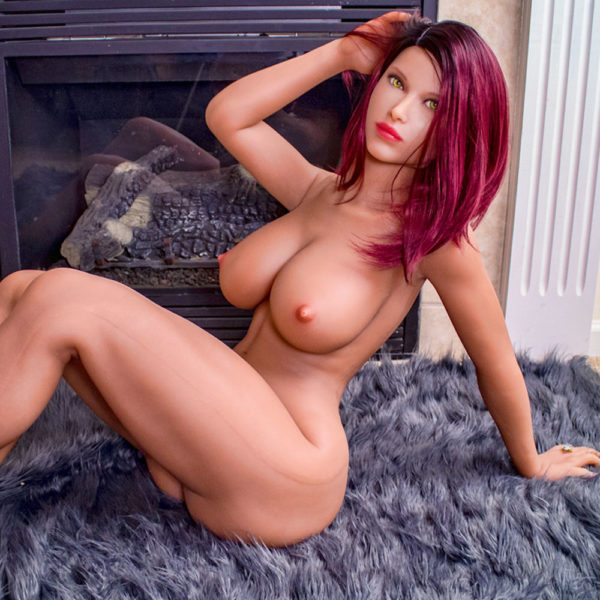 photo de la poupée sexuelle bots dolls sex doll alicia à gros seins 165cm
